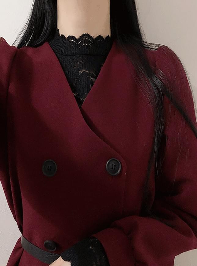 Wavy lace blouse
