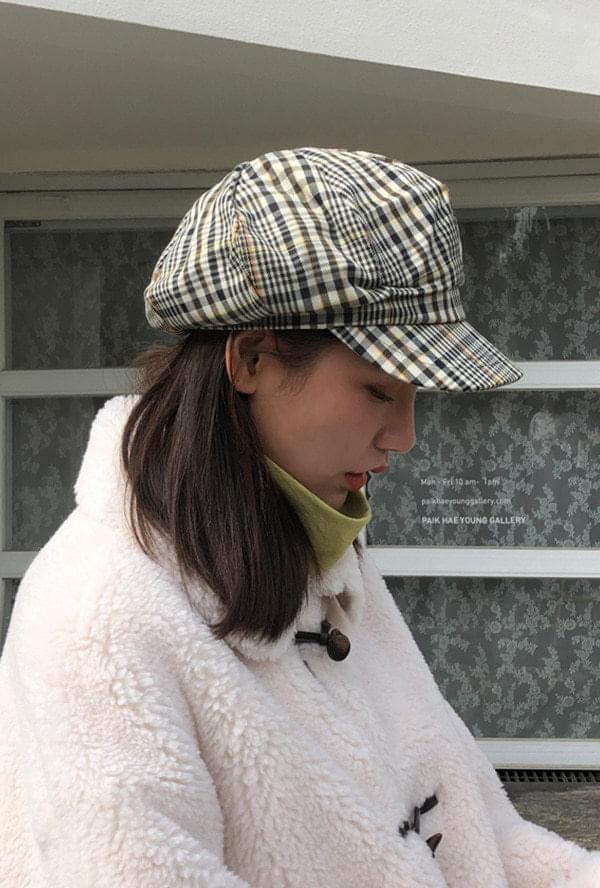 Check octagonal hat
