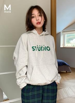 Brushed shirring hoodies