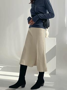 Trim wear knit skirt