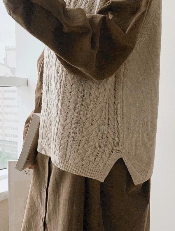 lambswool twist knit vest