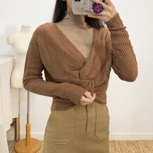 Eloy Twist V Neck Knit