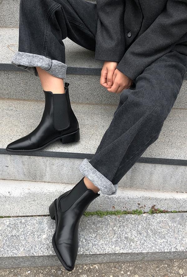 Russ Inn Chelsea Boots