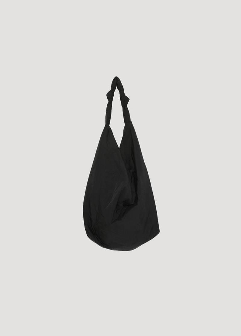 Dry padded shoulder bag