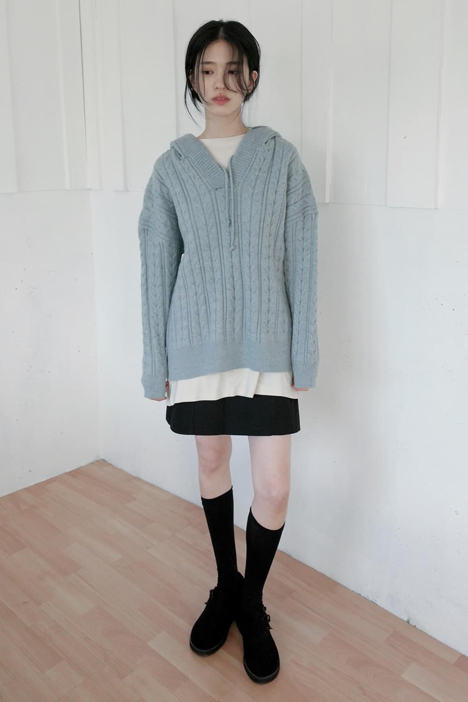 twist charming hood knit top