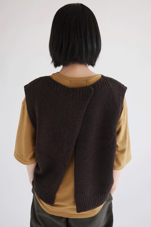 back slit point vest