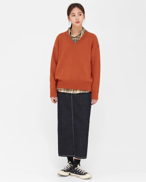 theres v-neck wool knit