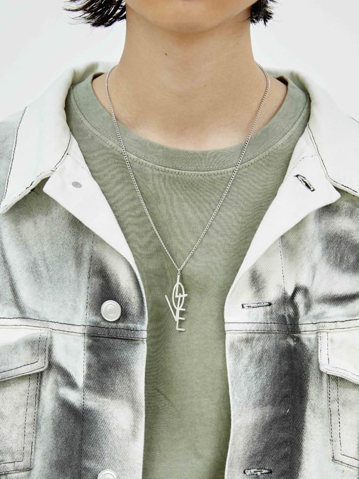 LOVE long necklace