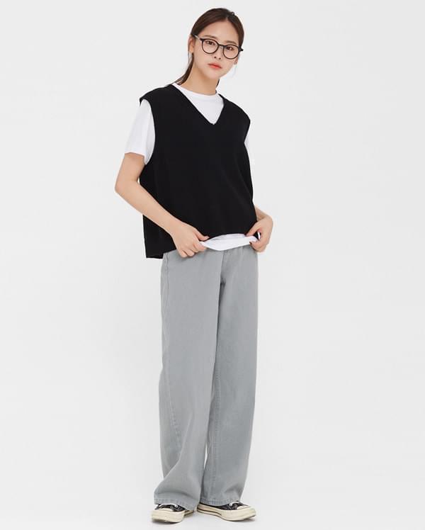 heated v-neck wool vest