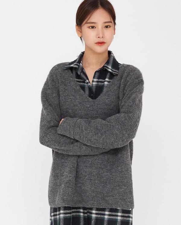 delly alpaca v-neck knit