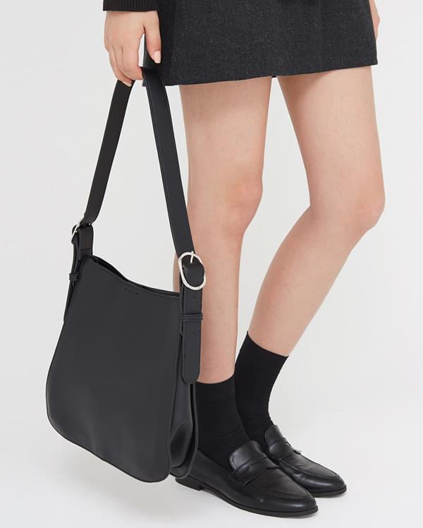 gorgeous buckle shoulder bag