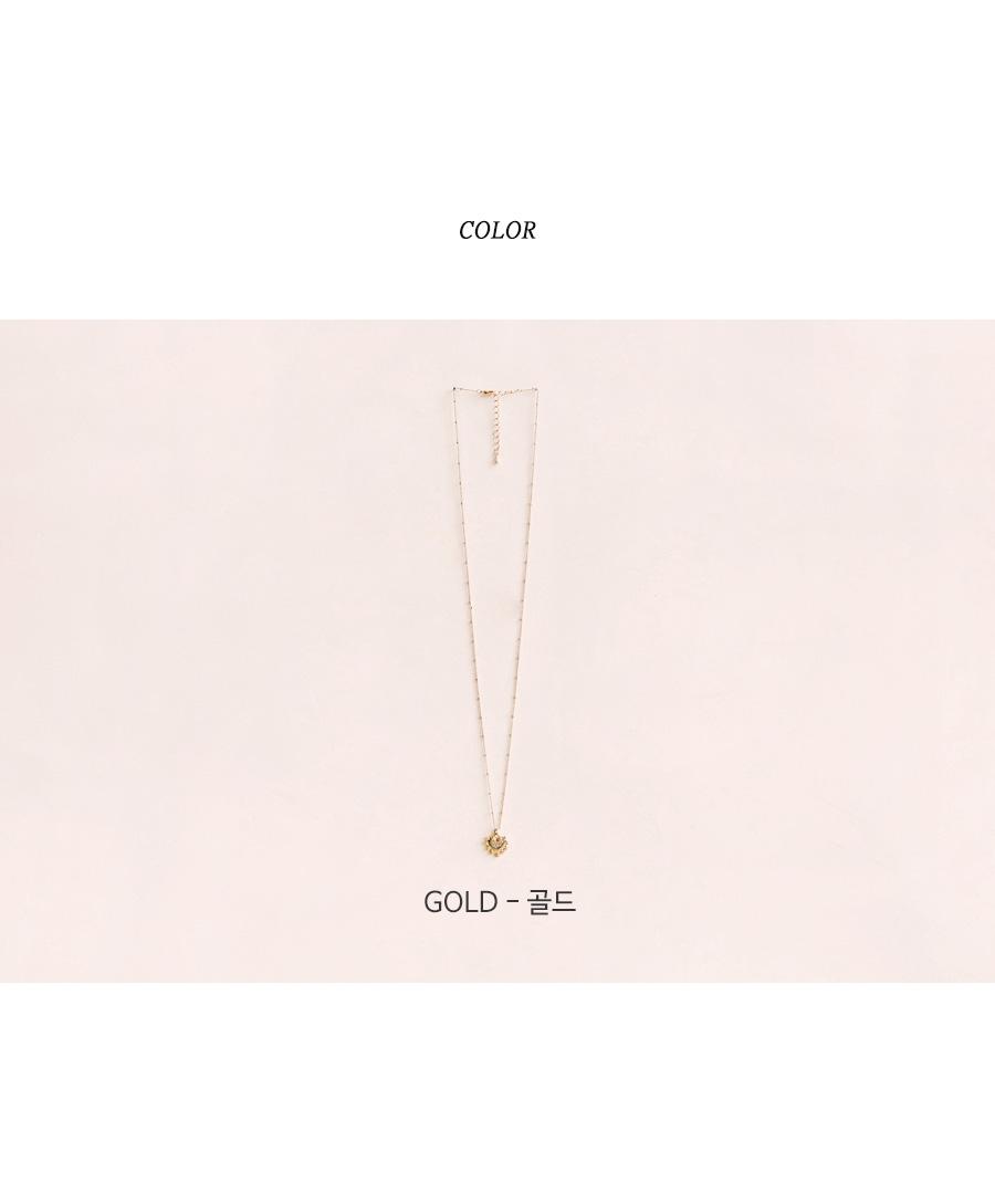 GOLD FLOWER HEART NECKLACE