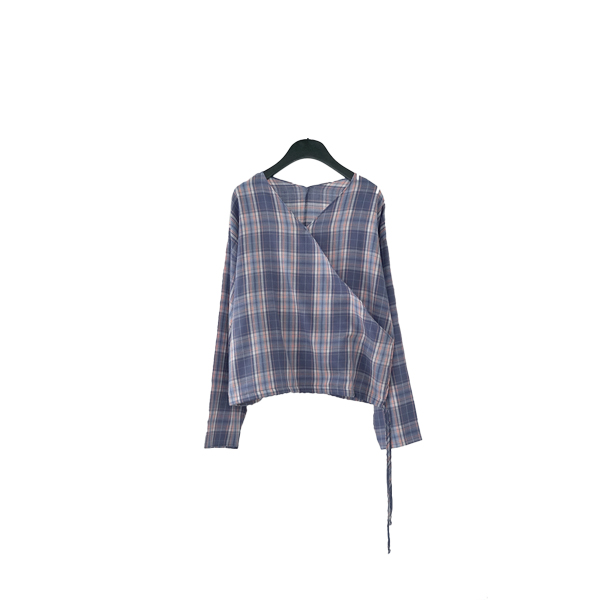 mild check wrap blouse