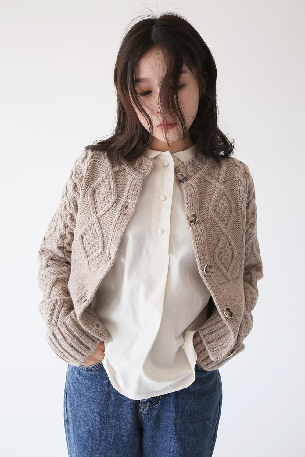 dia crop knit cardigan (2colors)