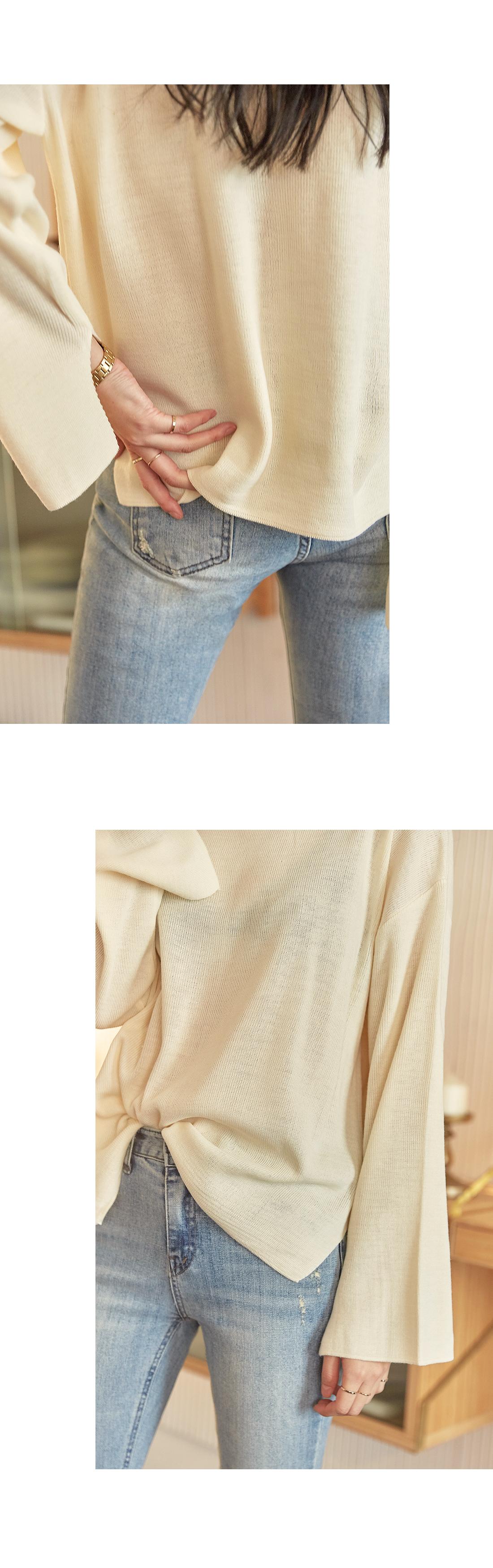 [TOP] WOMANLY LIP NECK SLIT KNIT