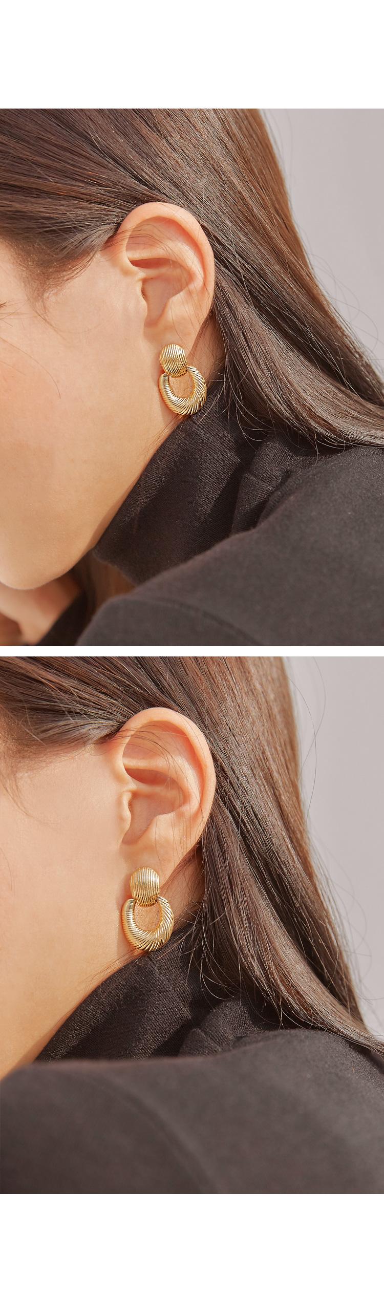 CLAVI MATT DROP EARRING