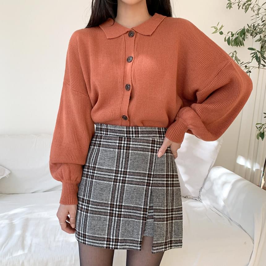 Color button knit cardigan