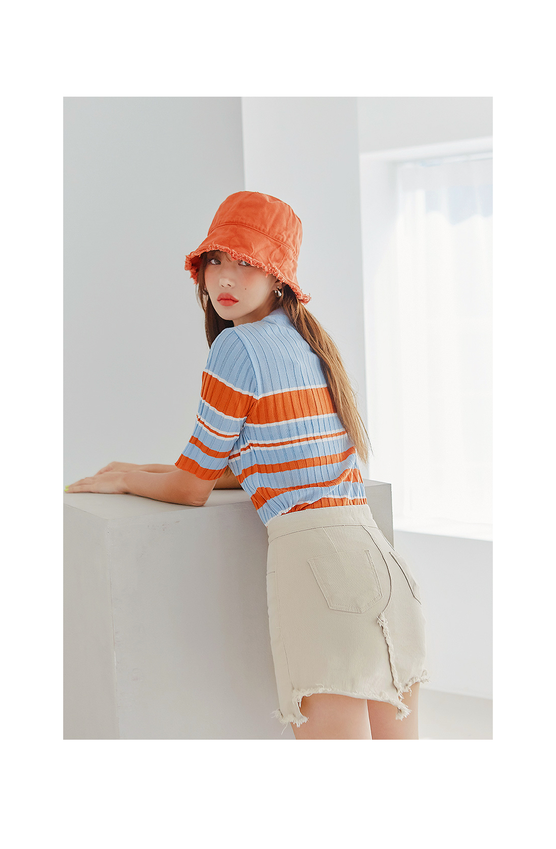 MULLET FRINGE POINT BUCKET HAT