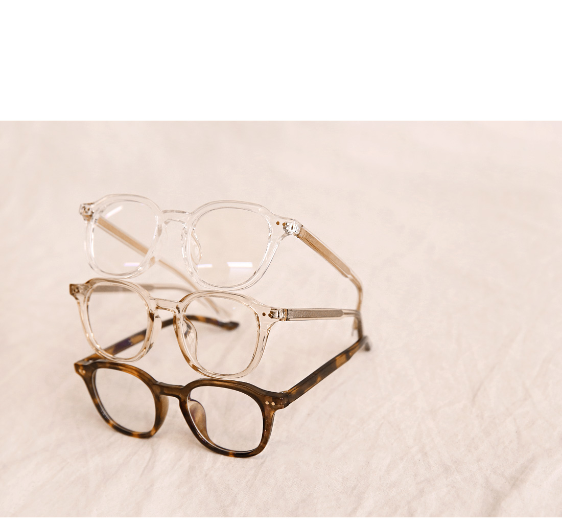 CLARIE BOLD FRAME GLASSES