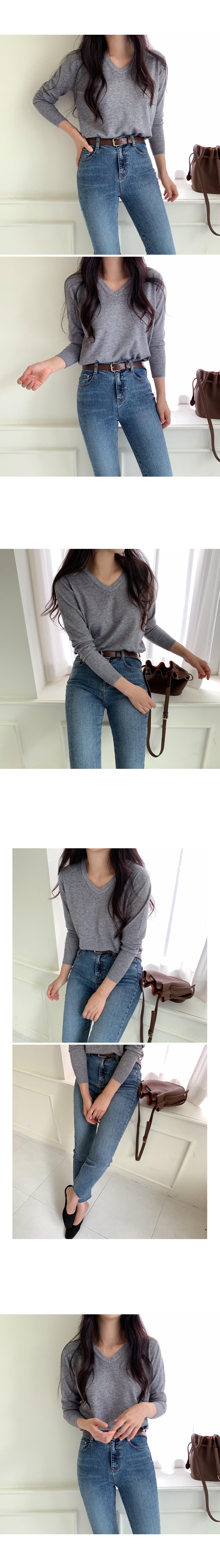 Million Simple V Neck Knit