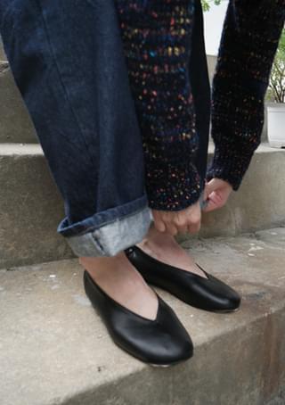 kidney bean flat shoes