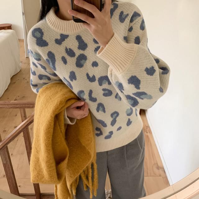 Leopard Round Neck Wool Knit
