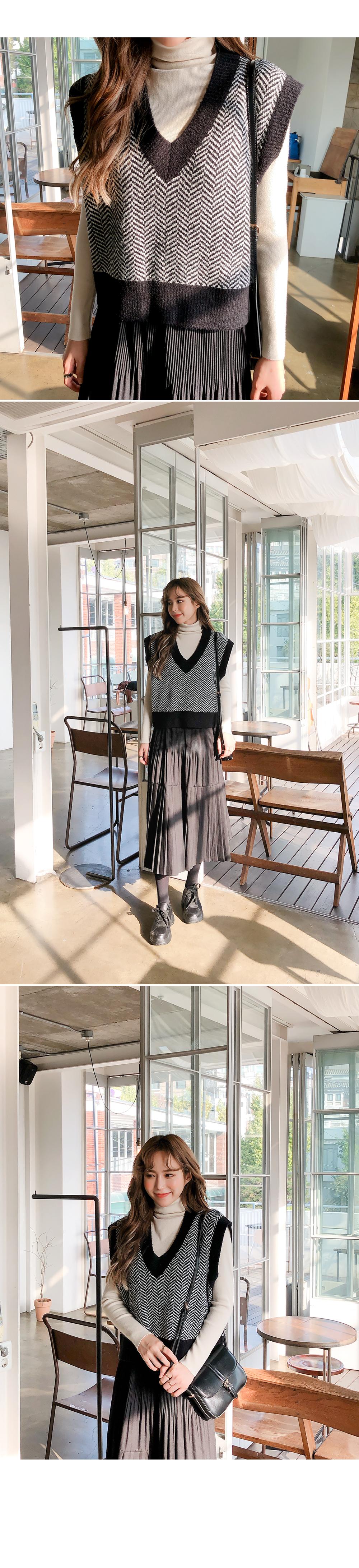Herringbone knit vest
