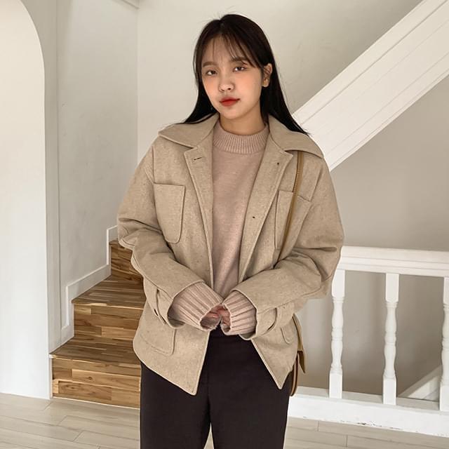 Natural pocket wool short coat