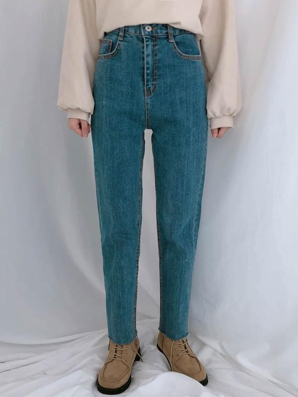 126 slim straight denim pants