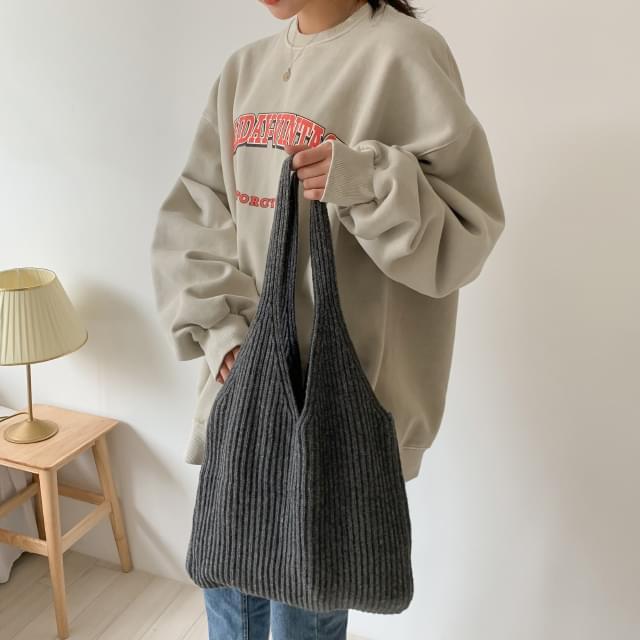 Lambs wool ribbed knit bag