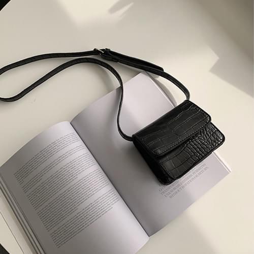 韓國空運 - 精美蛇紋翻蓋磁釦斜背方包 肩背包