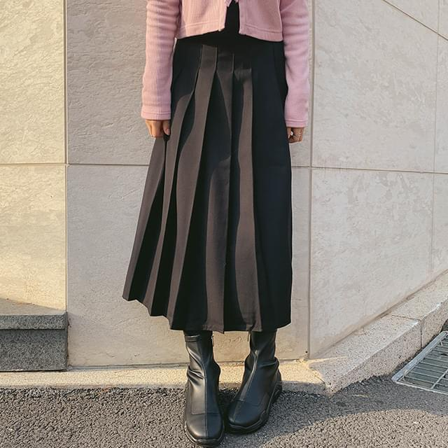 Pleated Cozy Pleated Skirt