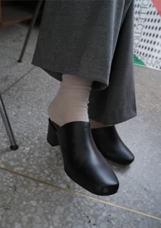 classy mule middle heels