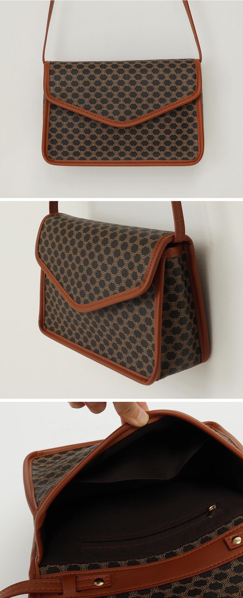 Owned vintage cross bag_C