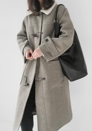 dumble detail duffel coat