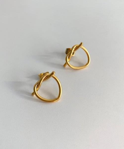 pretzel earring
