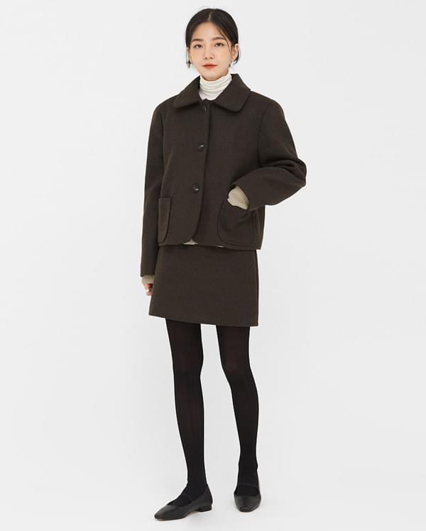 a crema round short jacket
