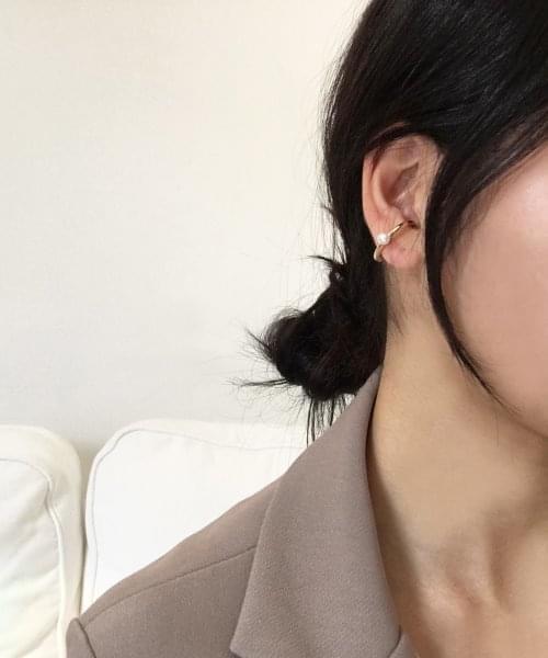 pearl earcuff earring