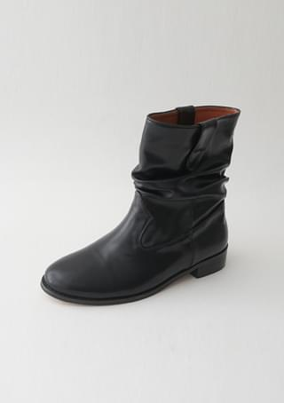 natural crease ankle boots