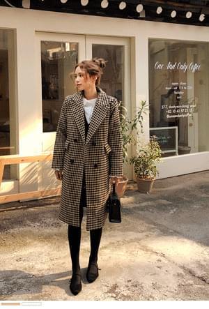 Fashionable Houndstooth coat