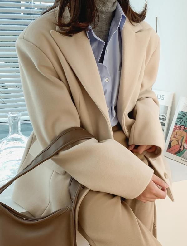 Dart line over fit wool jacket