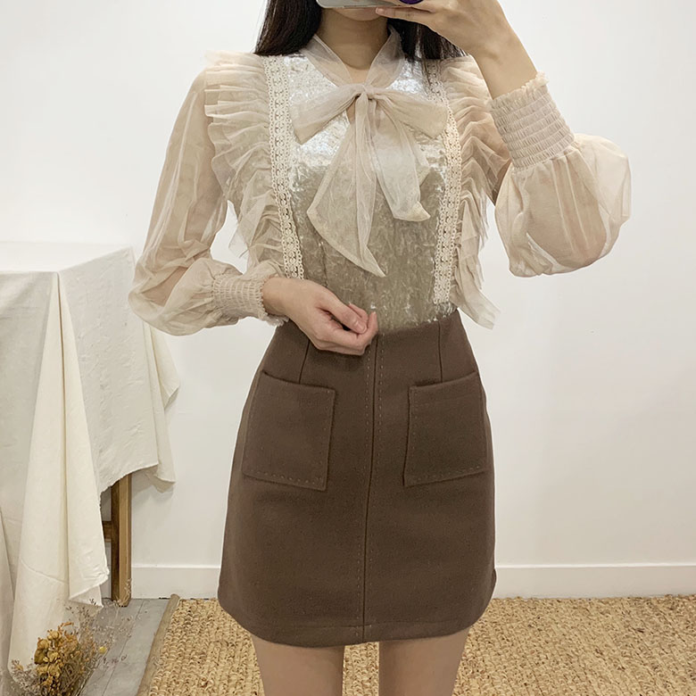 Elf Velvet Ribbon Lace Blouse