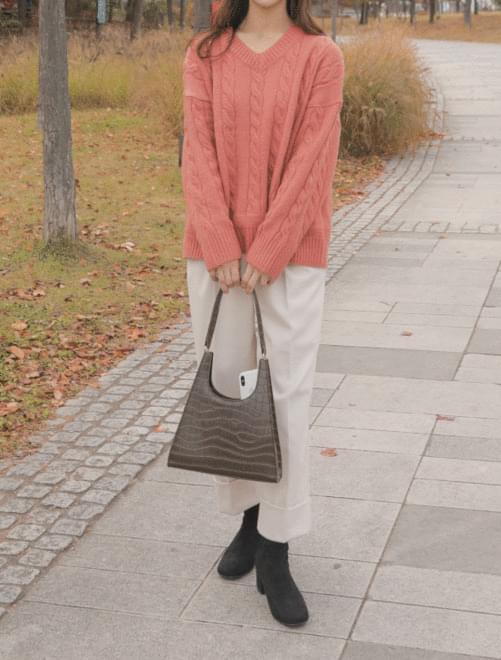 Triangle black shoulder bag _Y