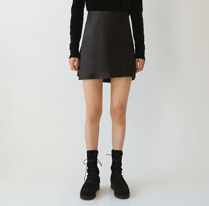 NAPPING LEATHER UNBAL MINI SKIRT