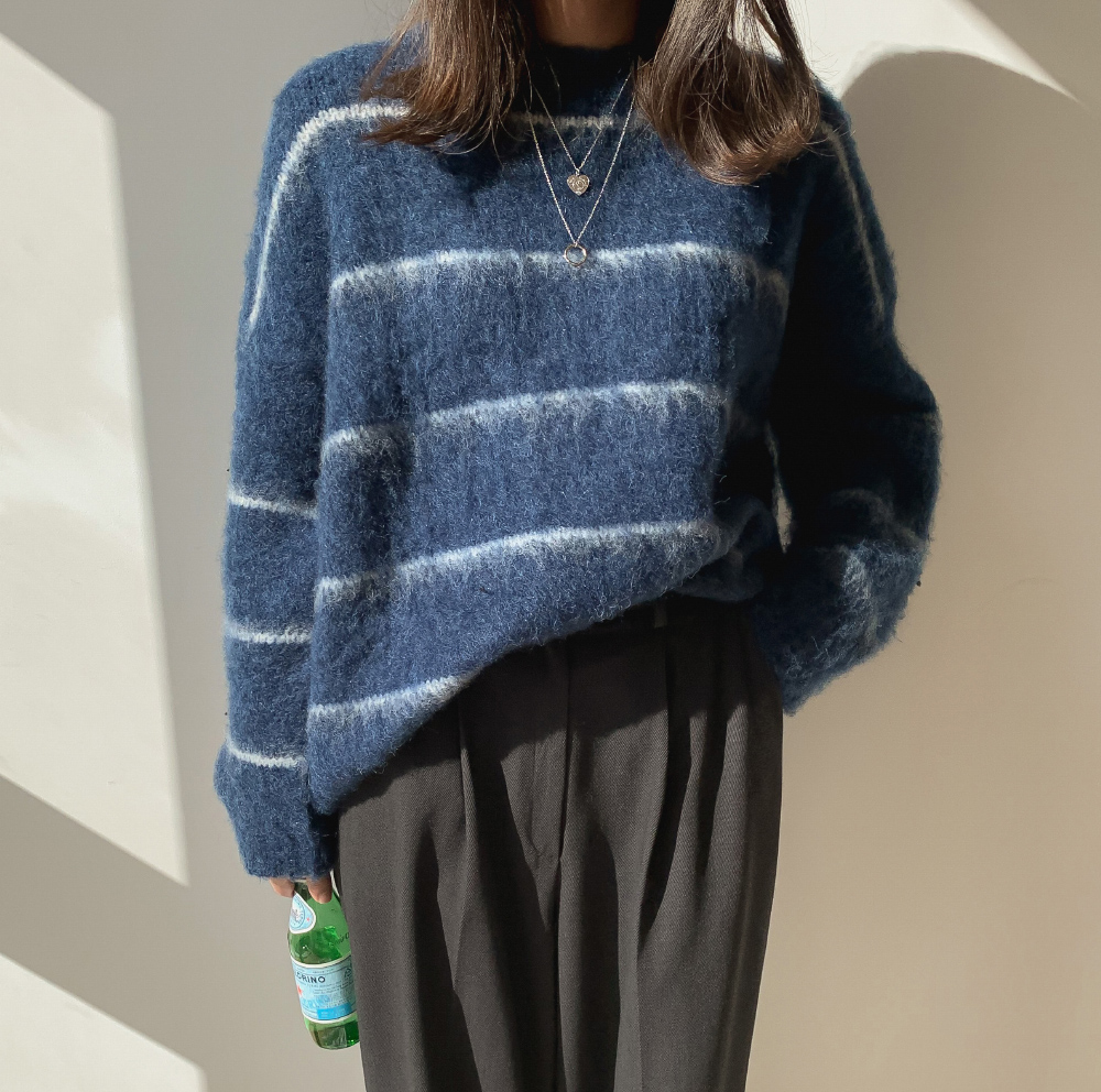 Striped loose fit soft knit-knit