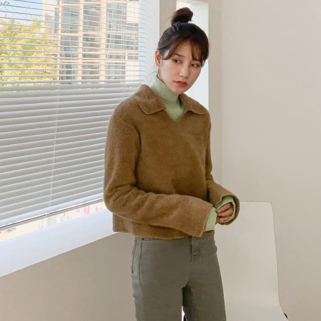 Semi-Crop Collar Neck Knit-knit