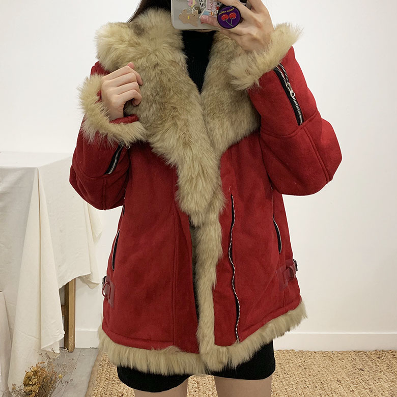 Lakia Buckle Fur Mustang Jacket