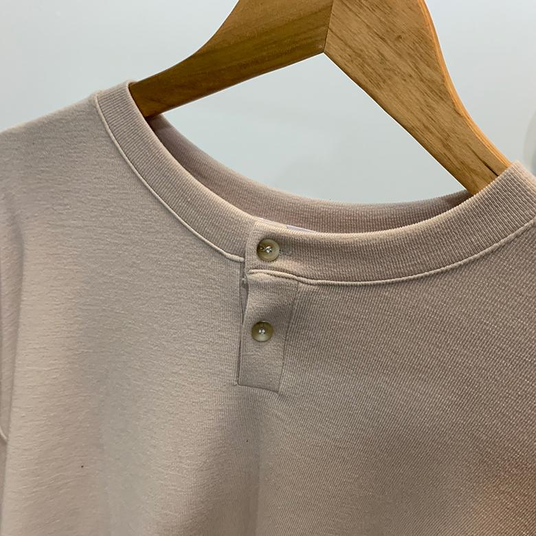Loro Two-Button Round T-Shirt