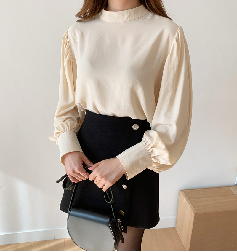 Trems puff blouse