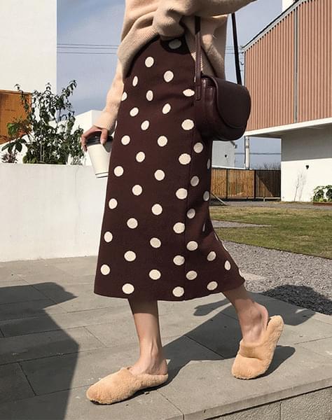 Planning dot skirt